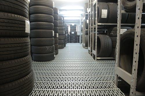 Changement de pneus de voiture : les questions qu'il est utile de se poser
